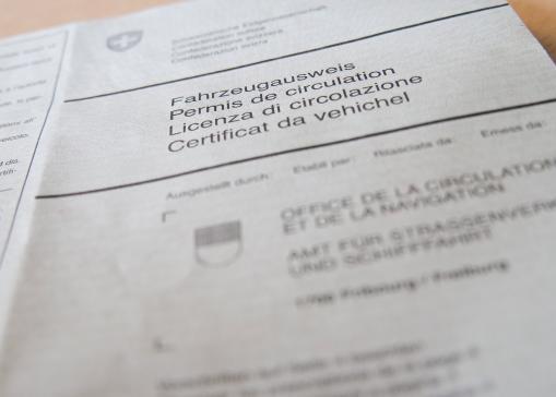 Führer- und Fahrzeugausweis