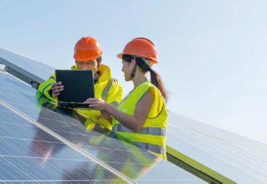 L'Etat participe à un projet pilote pour équiper les toitures de ses bâtiments de photovoltaïque
