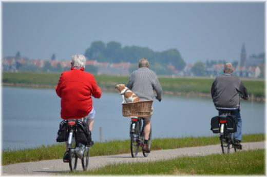 Ernährung und Bewegung für Senioren ab 65 Jahren und +