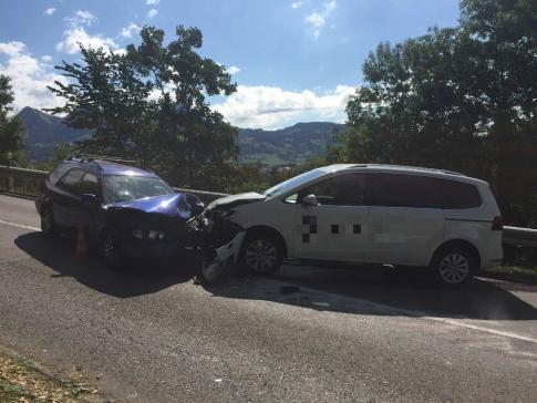 Accident suite à un assoupissement, avec 2 personnes blessées à Broc