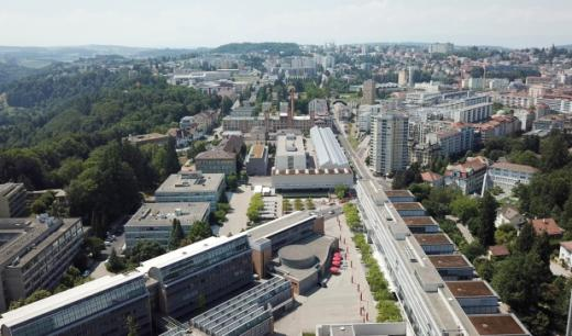 Les quatre écoles de la HES-SO Fribourg réunies sur le plateau de Pérolles