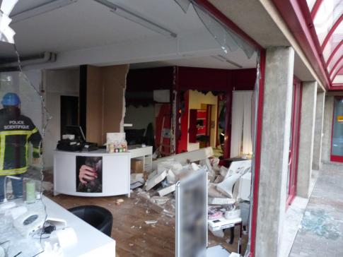 Explosion et début d'incendie à Givisiez / News nur auf Französisch