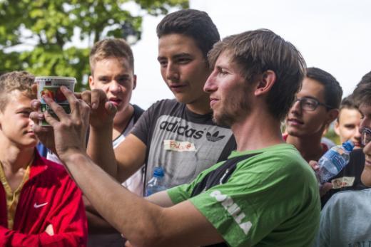 Des jeunes de la Préformation Professionnelle (PréFo) et des jeunes requérants d'asile réunis pour une journée de promotion de la santé