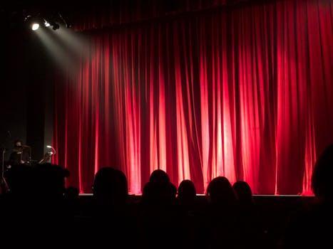 Wenn sie blau ist, sieht er rot - Forumtheater
