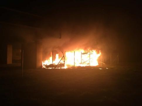 Brand von mehreren Fahrzeugen in Kerzers - Zeugenaufruf