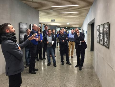 « 2m2 » est accrochée dans le nouveau bâtiment de la police cantonale