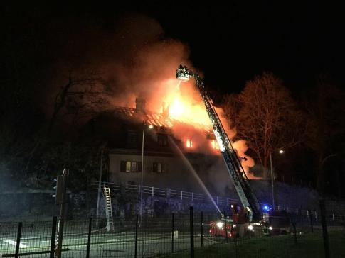 Une personne meurt dans l'incendie d'une maison à Fribourg