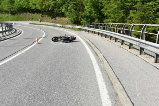Un motard se blesse grièvement à Broc / News nur auf Französisch