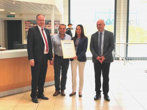 Le Garage de l'Autoroute J.-F. Lacilla SA reçoit le Prix Migration et Emploi 2019 pour son action en faveur de la formation de migrants arrivés tardivement en Suisse