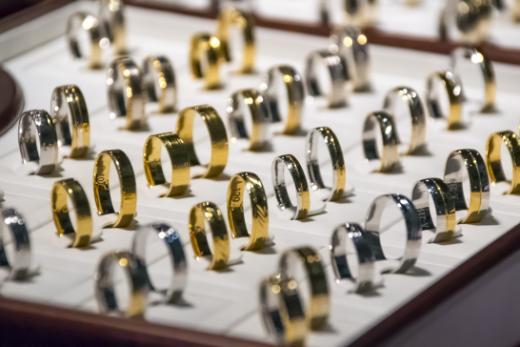 Métaux lourds dans les bijoux : les teneurs en cadmium et en plomb restent régulièrement trop élevées
