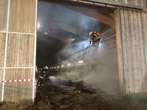 Fort dégagement de fumée dans une grange à Villorsonnens / News nur auf Französisch