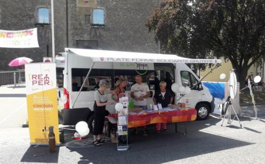 Fribourg pour tous au marché folklorique de Bulle