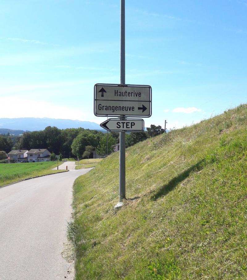 Entrée nord de Grangeneuve