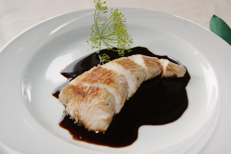 Escalopes de poulet au vin cuit