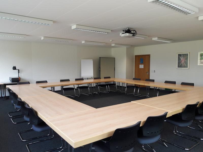 Sitzungsraum 14, Gebäude R, Grangeneuve