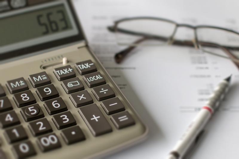 Impôts / Steuern 01