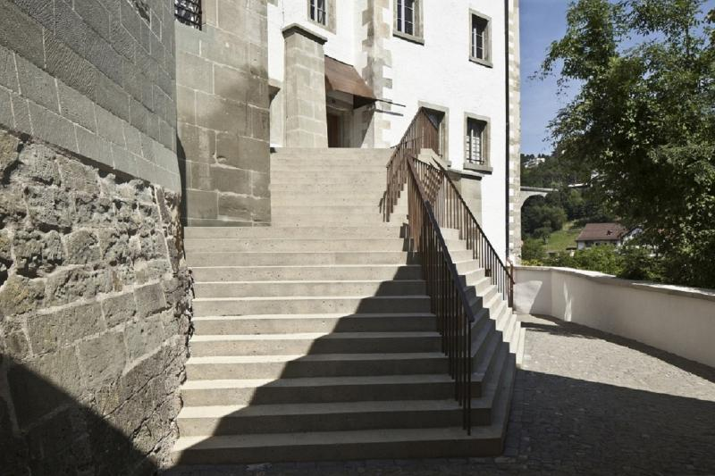 Entrée du Tribunal cantonal - Eingang des Kantonsgerichts