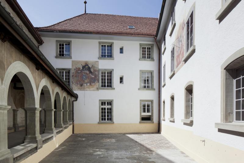 Cour intérieure du Tribunal cantonal - Innenhof des Kantonsgerichts