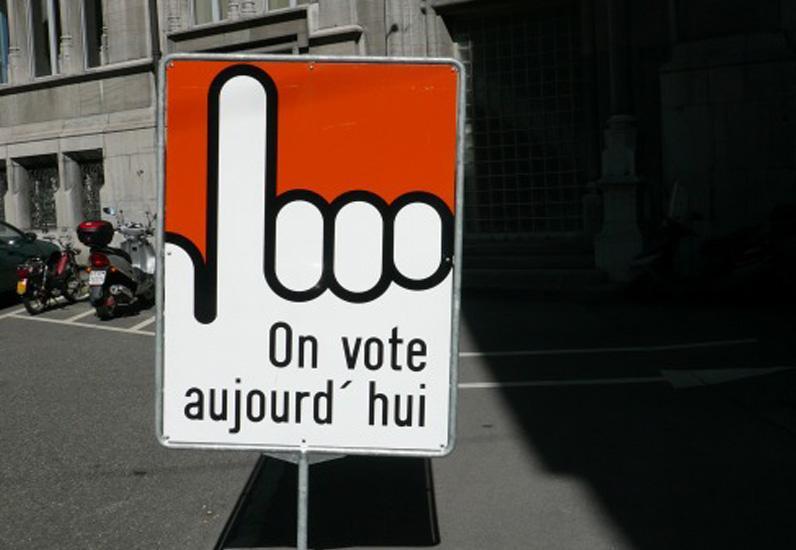 On vote, panneau jour de votation