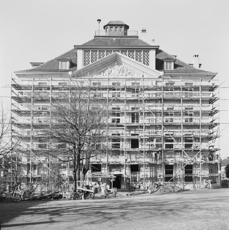 Umbau des Gymnasiums (1829-1838) auf dem Gelände des Kollegiums St. Michael in Freiburg, 1947-1952