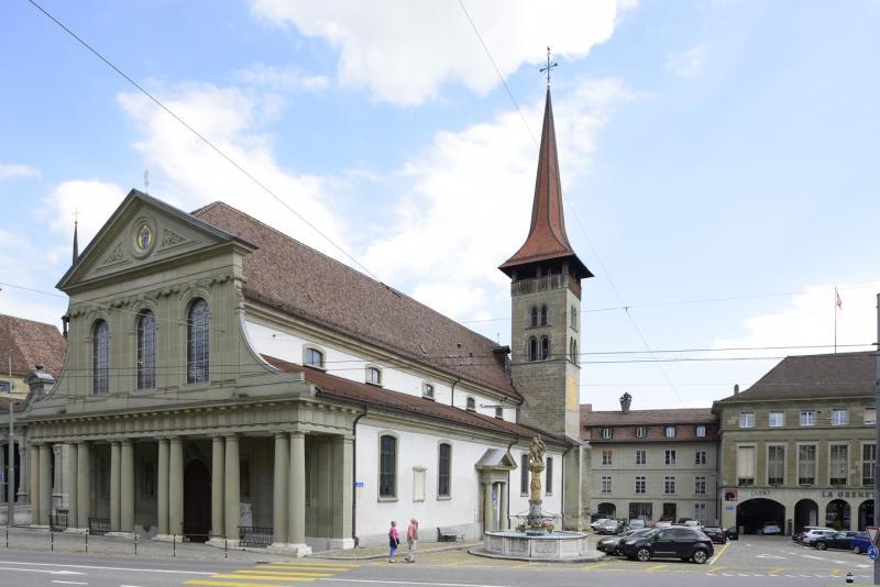 Basilique Notre-Dame à Fribourg, la plus ancienne église de la ville, remontant au 1er tiers du XIIIe s., habillage néoclassique et façade-écran, 1785-1787, restaurée par étapes en 1994-2011.