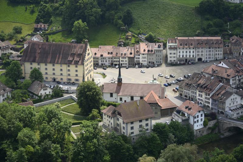 Site de l'ancienne Commanderie des chevaliers de Saint-Jean-de-Jérusalem à Fribourg, actuellement occupée par le Service des biens culturels.