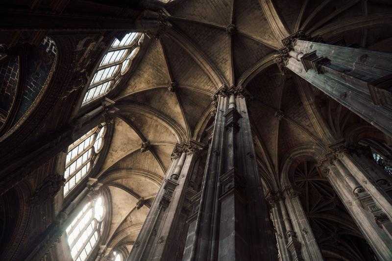 Arches d'une cathédrale - Bögen einer Kathedrale