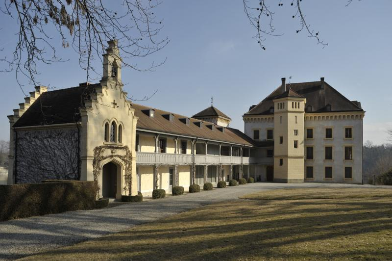 Château de Barberêche (Courtepin), 1528, transformé pour Alexis de Zurich par les architectes Johann Jakob Weibel et Hans Rychner qui en font l'une des plus belles propriétés de Suisse, 1839-1844, restauré en 1998-1992 par l'architecte Michel Waeber