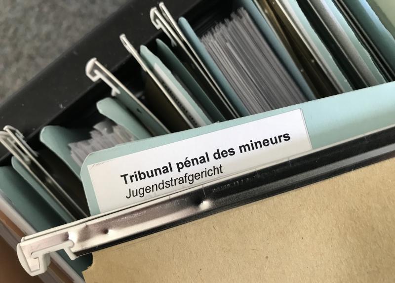 Tribunal pénal des mineurs - Jugendstrafgericht