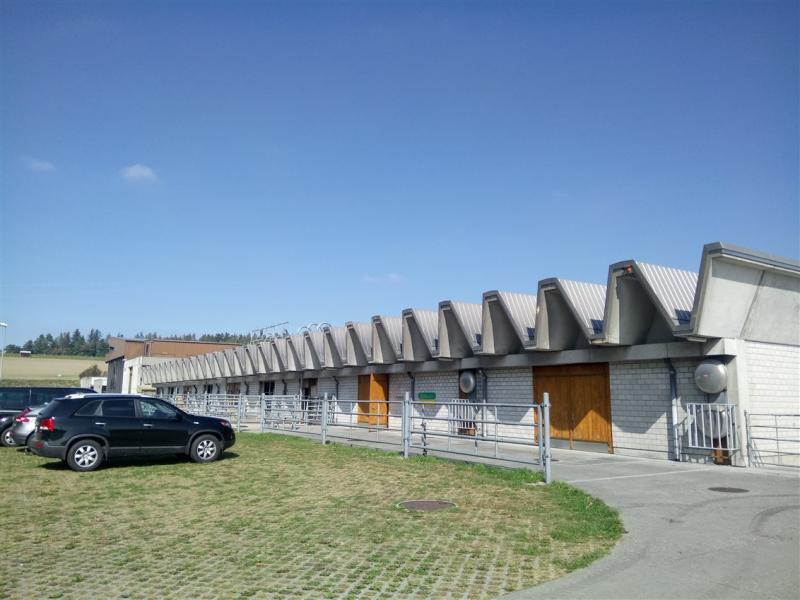 Das Bild zeigt die Forschungsanstalt Agroscope Liebefeld-Posieux (ALP-Haras), in Posieux