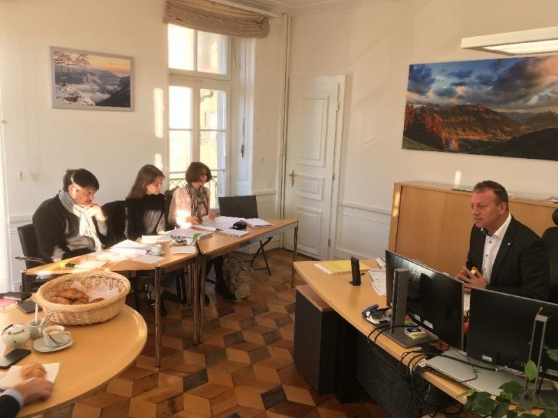 Didier Castella hat die Journalisten in seinem  Büro empfangen