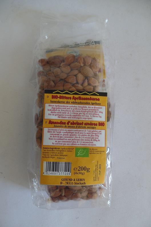 photo représentant  l'emballage des noyaux d'abricots amères BIO incriminé