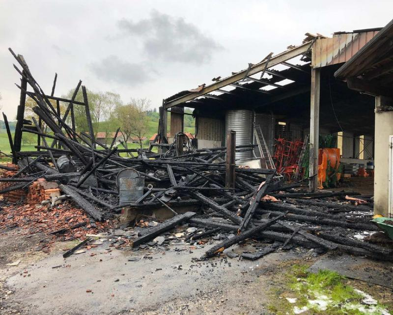 Brand einer Scheuer in Vuarmarens