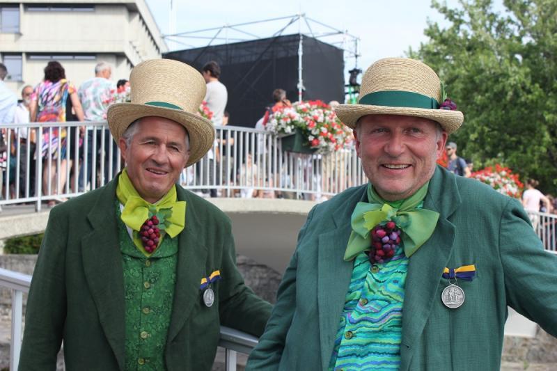 Silbermedaillen bei der Fête des Vignerons für Yvan Regamey (links) und Gérald Vallélian
