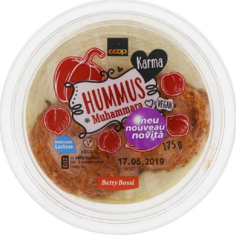 Das Bild zeigt den Hummus-Becher der nicht deklarierte Allergene enthält