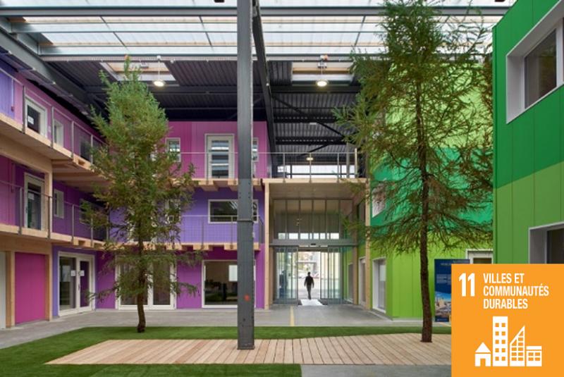 Réhabilitation de la halle bleue de Bluefactory en espaces de bureaux zéro carbone. Lutz Architectes / Corinne Cuendet.