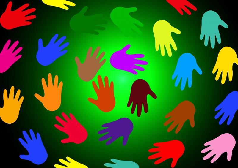 dessin de mains multicolore