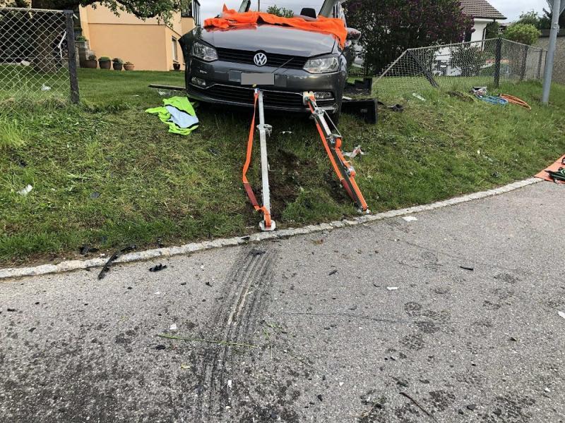 Un accident de la circulation fait trois blessés à Farvagny / Drei Verletzte bei einem Verkehrsunfall in Farvagny