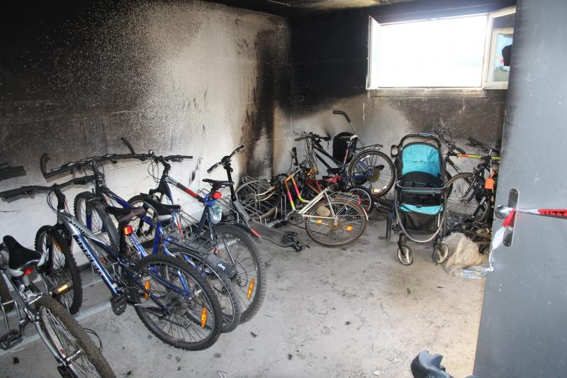 Incendie dans le local à vélo d'un immeuble à Belfaux / Brand im Fahrradraum eines Gebäudes in Belfaux
