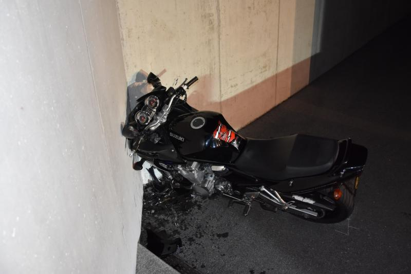 Motocycliste grièvement blessé à Fribourg / Schwerverletzter Motorradfahrer in Freiburg