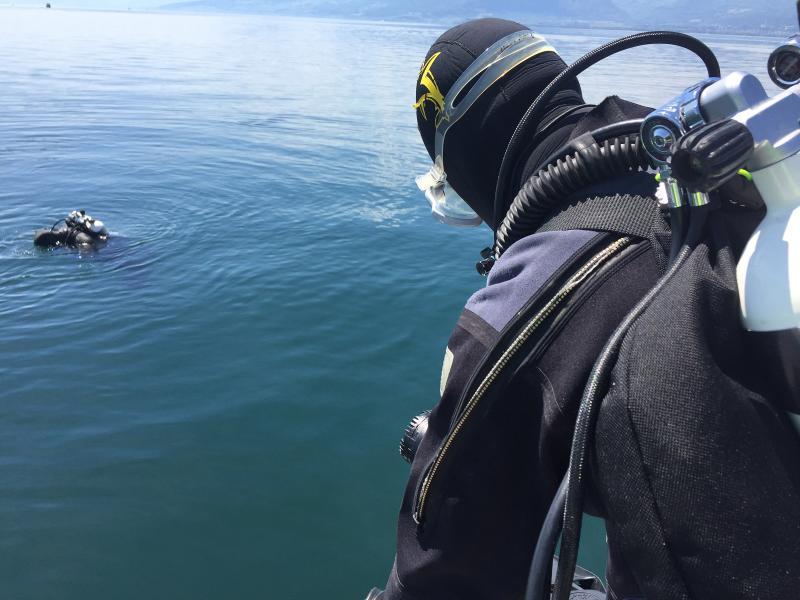 Un navigateur annoncé disparu retrouvé décédé au large de Môtier / Ein vermisst gemeldeter Bootsführer tot im See in Môtier gefunden