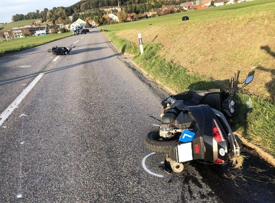 Deux élèves conducteurs blessés dans un accident de la circulation à Ursy / Zwei Fahrschüler bei einem Unfall in Ursy verletzt